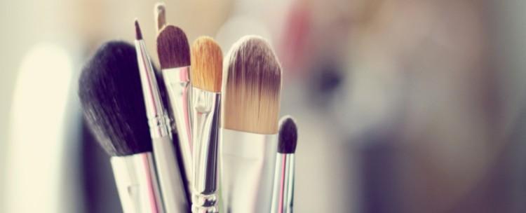 cropped-makeup-brushes.jpg